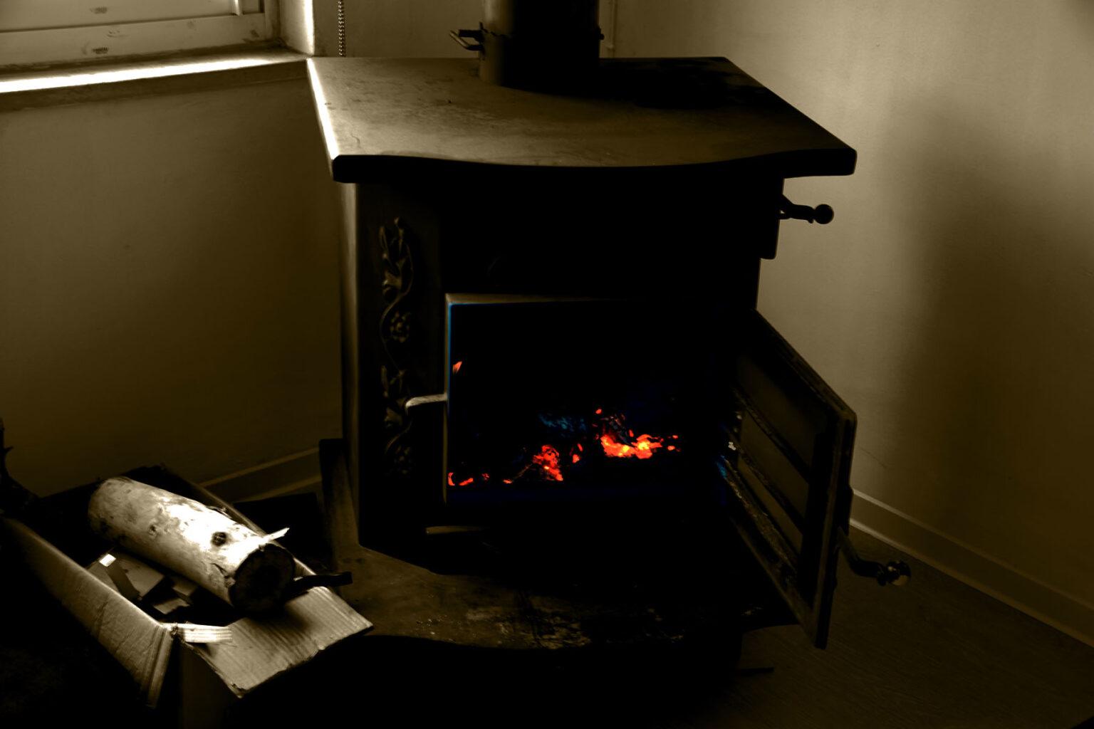 תנור בחדר סדנאות מיושן