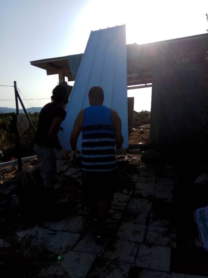 לעבוד היחד הקמת גג בבית יונה אבירים