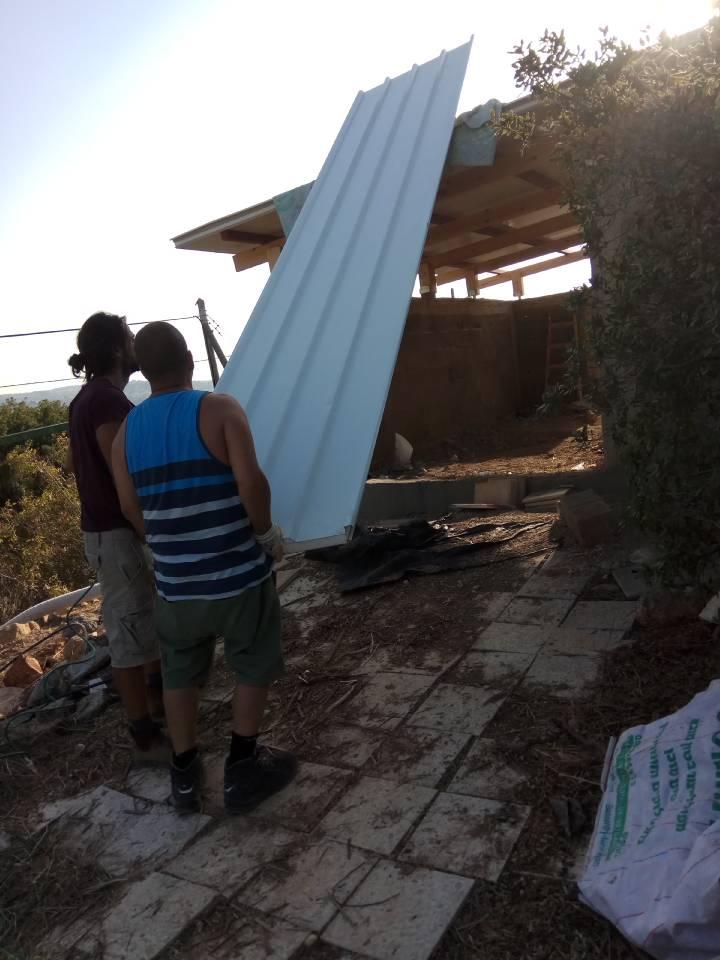 לתכנן בניית גג